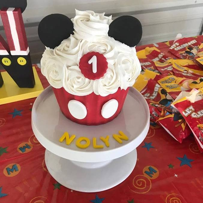 mickey mouse smash cake mickey mouse smash cake turquoise tiers 5888